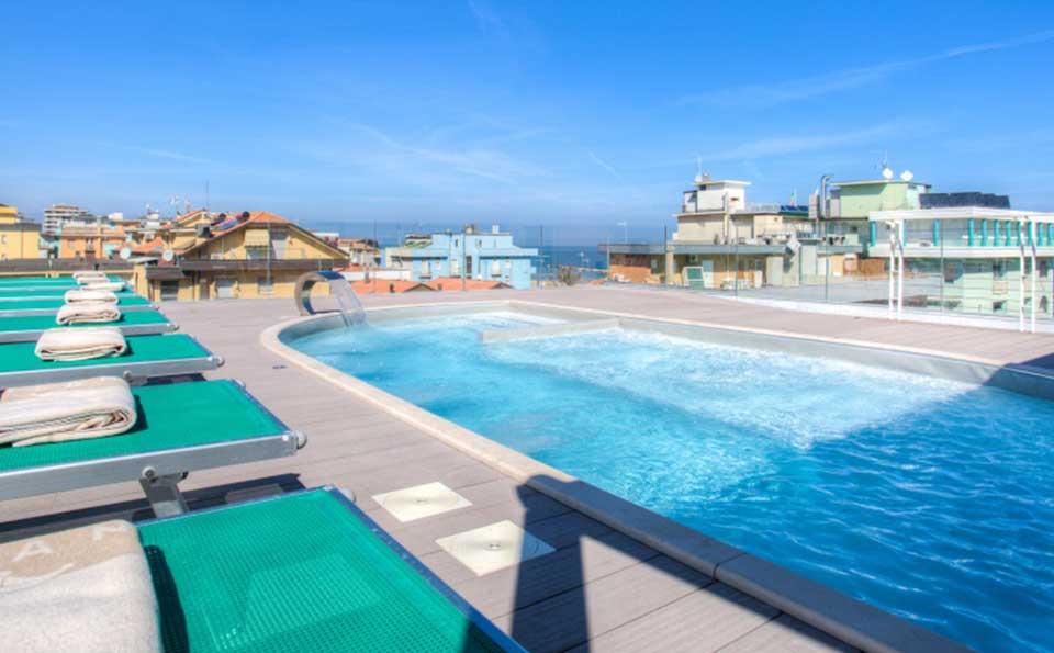 Hotel bellaria igea marina benessere con piscina e solarium - Hotel con piscina bellaria ...